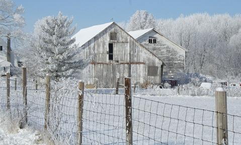 barn-snow-2.jpg